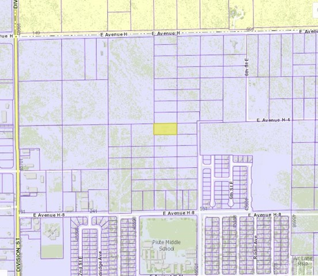 400 Vac/Vic Avenue H8/Division Street, Lancaster CA: http://media.crmls.org/mediascn/95cb600d-4cfd-440b-b68a-f8ebfb554f3d.jpg
