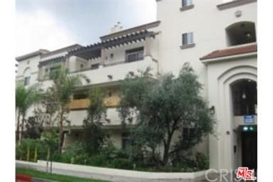 Condominium for Rent at 10640 Woodbridge Street Toluca Lake, California 91602 United States