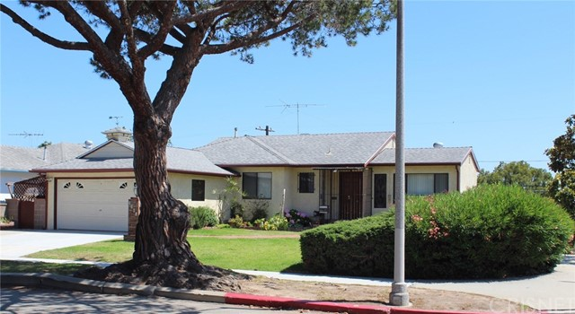 3301 Moore Street  Los Angeles CA 90066