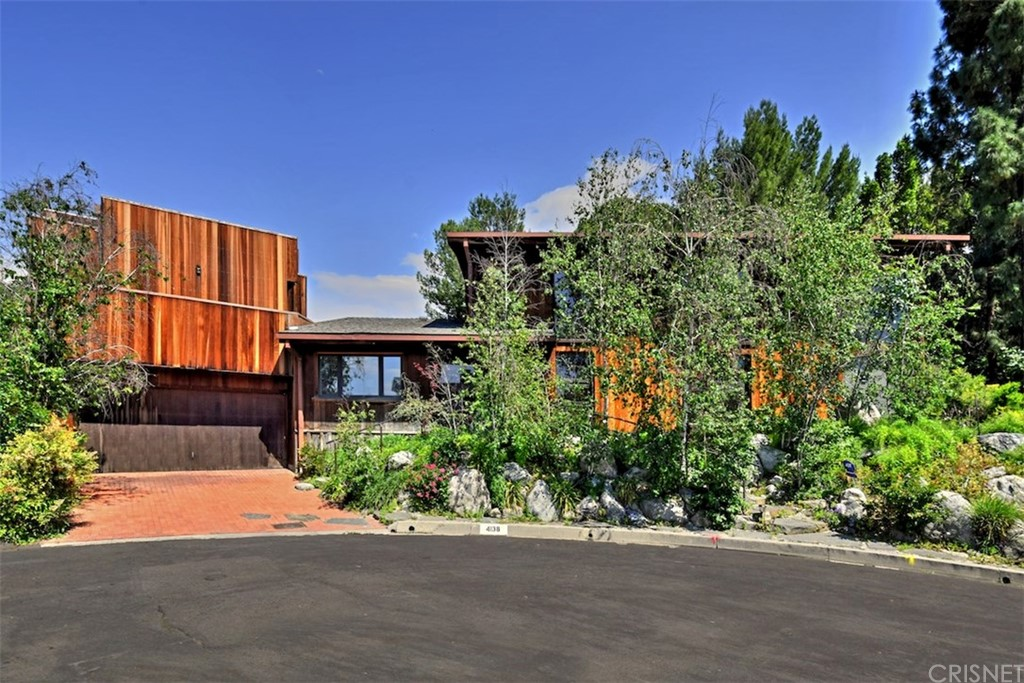 Photo of 4138 ROYAL CREST PLACE, Encino, CA 91436