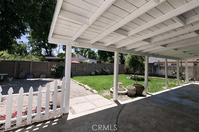 7642 Independence Avenue, Canoga Park CA: http://media.crmls.org/mediascn/963bb408-73aa-4b28-8b6c-5539d4712838.jpg