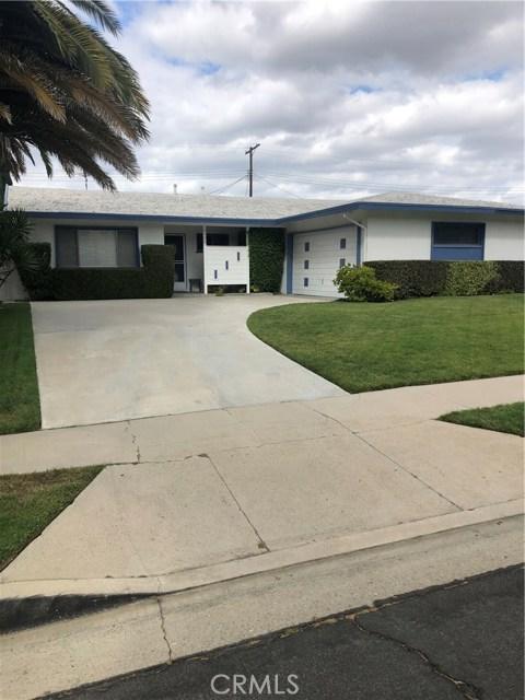 6622 Franrivers Avenue, West Hills CA: http://media.crmls.org/mediascn/96404dba-3a58-4471-8899-5275341fd518.jpg