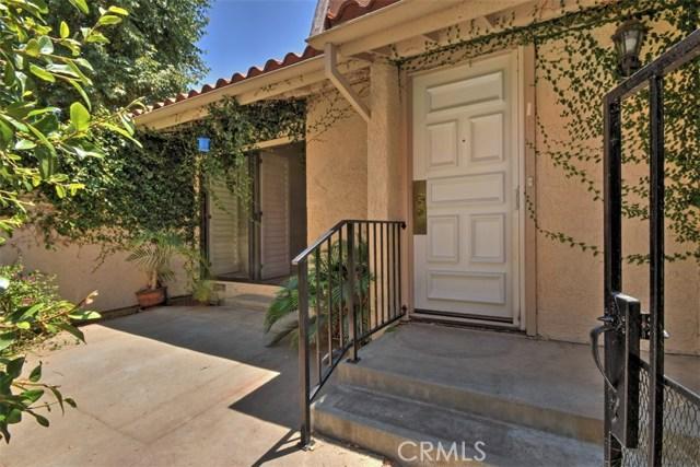 6221 1/2 Nita Avenue, Woodland Hills CA: http://media.crmls.org/mediascn/965c49e8-3262-4dab-b06a-93a2625a163e.jpg