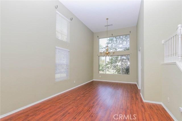 27449 Waynesborough Lane, Valencia CA: http://media.crmls.org/mediascn/966a9899-9201-40a1-b58d-f6349970d727.jpg