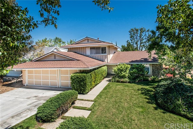Property for sale at 10904 Sylvia Avenue, Northridge,  CA 91326