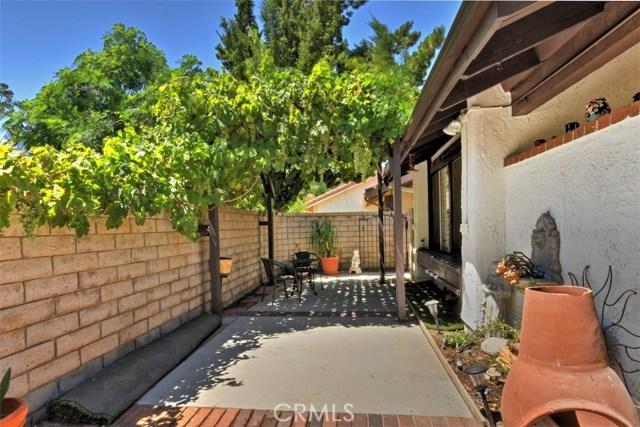 25670 Yucca Valley Road, Valencia CA: http://media.crmls.org/mediascn/96dcc591-b98d-4dff-ad61-8481e2ed339c.jpg