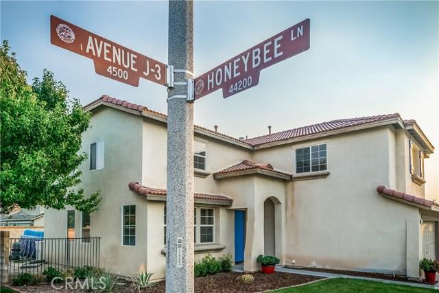 4544 W Avenue J3, Lancaster CA: http://media.crmls.org/mediascn/96e78176-3f5f-439f-8ef9-3e9599981f87.jpg