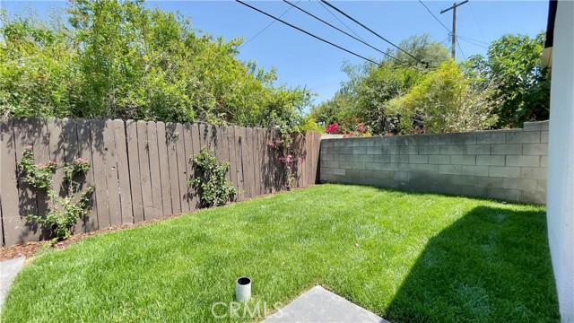 5166 Chimineas Avenue, Tarzana CA: http://media.crmls.org/mediascn/96e98e5a-6ae6-4879-ad67-e273d641bca2.jpg