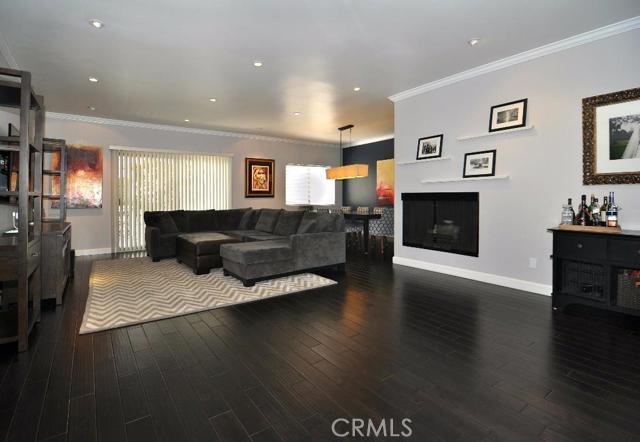 Condominium for Sale at 11928 Kiowa Avenue Unit 210 11928 Kiowa Avenue Los Angeles, California 90049 United States