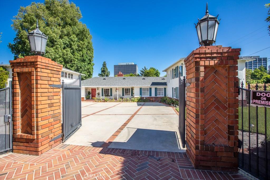 Photo of 15907 VALLEY VISTA BOULEVARD, Encino, CA 91436