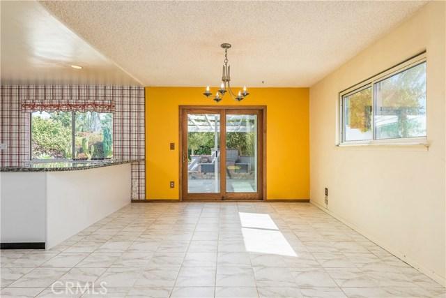 11702 Monogram Avenue, Granada Hills CA: http://media.crmls.org/mediascn/971e79d4-cc84-46a4-a2df-d676977cad35.jpg
