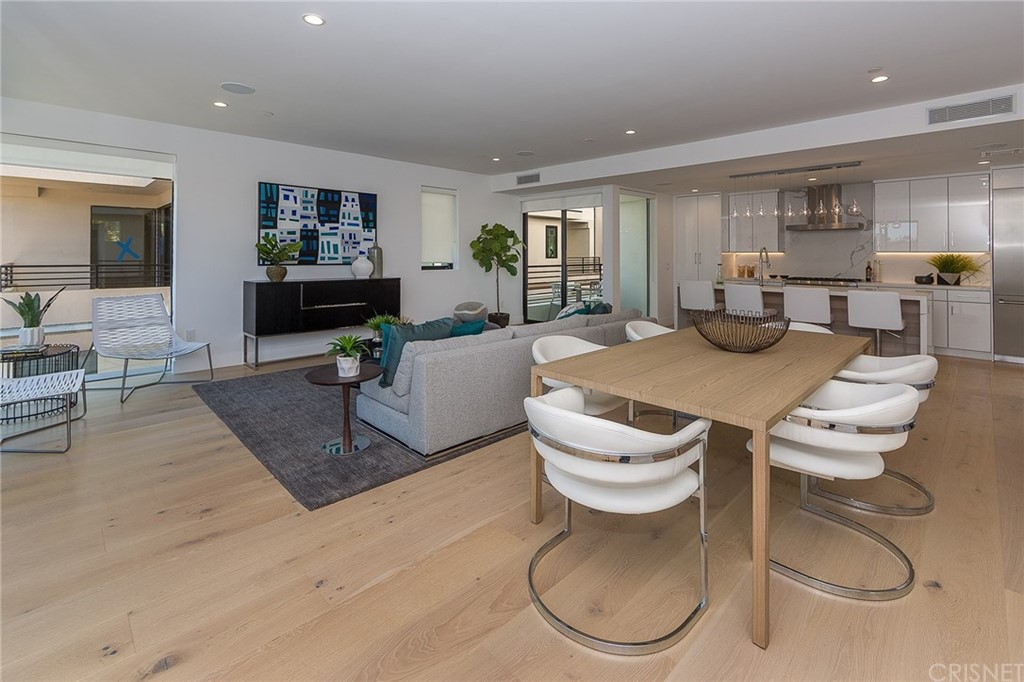 Photo of 743 NORTH GRAMERCY PLACE, Hollywood, CA 90038