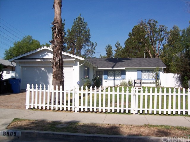 Single Family Home for Rent at 6809 Sale Avenue West Hills, California 91307 United States