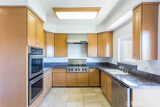 4964 Medina Road, Woodland Hills CA: http://media.crmls.org/mediascn/973be63b-56b4-45ad-abd2-b089d2530630.jpg