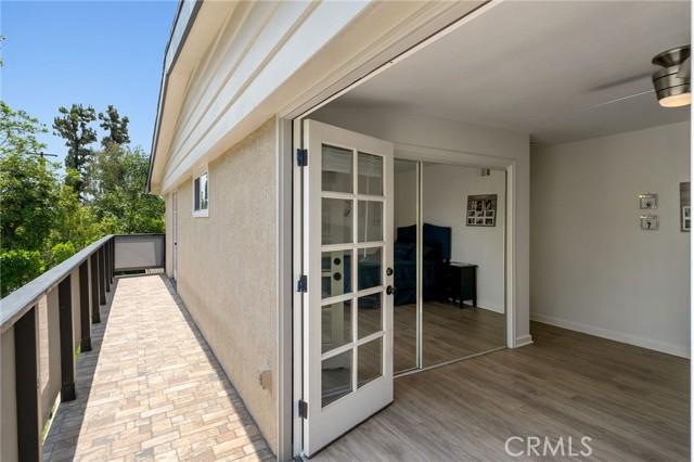 20324 Reaza Place, Woodland Hills CA: http://media.crmls.org/mediascn/97448fb4-f546-4d2e-9c78-336e1b3924d8.jpg