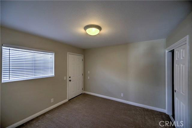 43743 Fern Avenue, Lancaster CA: http://media.crmls.org/mediascn/976c1eba-1c3b-4990-b572-7a8cf9bd6782.jpg