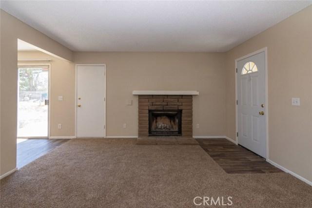 40638 173rd E Street, Lake Los Angeles CA: http://media.crmls.org/mediascn/97748490-ddee-4e11-84e0-7c85f09f62f9.jpg