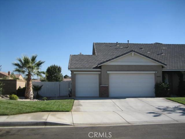 5800 W Avenue K14, Lancaster CA: http://media.crmls.org/mediascn/97aedf30-0fcd-4284-b54c-e9010267502d.jpg