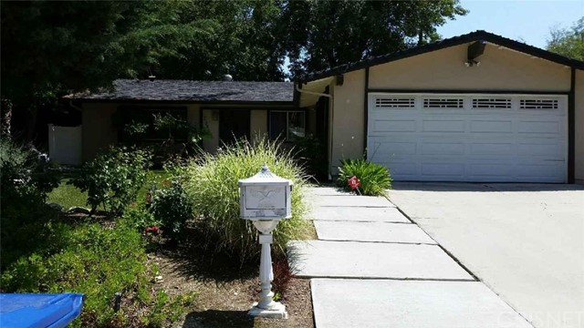 Single Family Home for Rent at 23800 Northwoods View Road West Hills, California 91307 United States