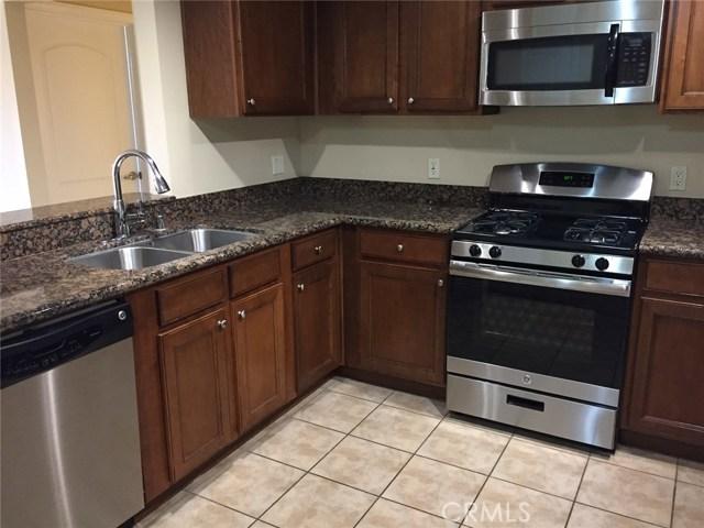 Additional photo for property listing at 6800 Corbin Avenue Unit 208 6800 Corbin Avenue Reseda, California 91335 United States