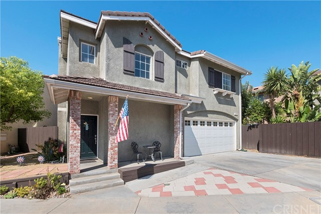 12359 Twilight Avenue, Sylmar CA: http://media.crmls.org/mediascn/981d1a28-7f22-4b38-b836-2859cd9db2be.jpg