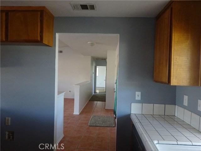 17308 Valeport Avenue, Lancaster CA: http://media.crmls.org/mediascn/9837ac94-f636-4470-9338-0833b1811fd5.jpg