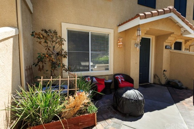Property for sale at 25405 Parkwood Lane, Saugus,  CA 91350