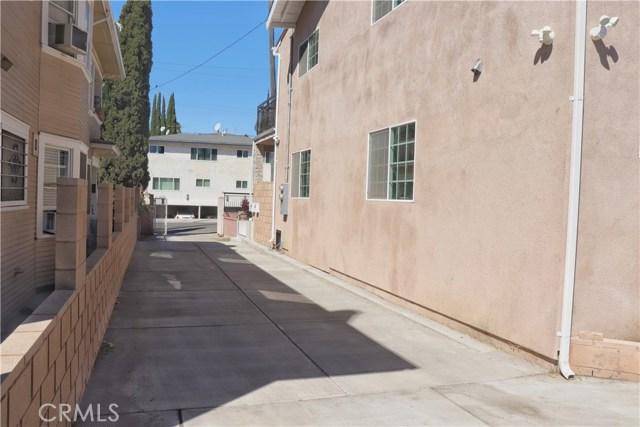 1844 N Van Ness Avenue, Los Angeles CA: http://media.crmls.org/mediascn/983bedf3-f3e8-4194-a5d1-d36b9494a3ac.jpg
