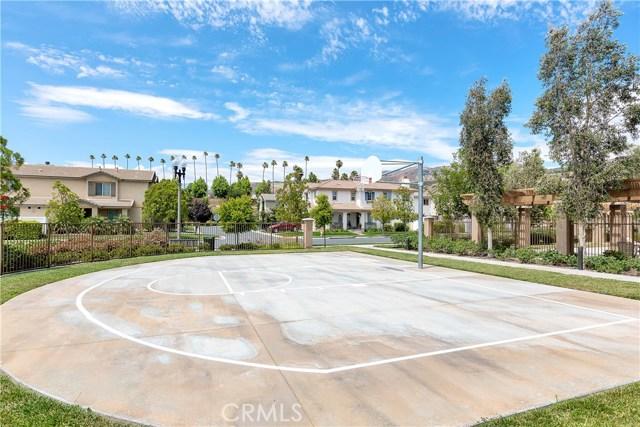 440 Arborwood Street, Fillmore CA: http://media.crmls.org/mediascn/985ebff4-a7cb-4696-807b-a2e7cc70a789.jpg