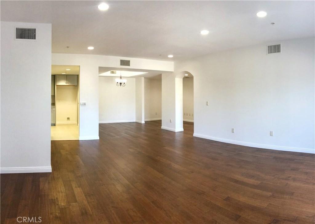 6800 Corbin Avenue, 109, Reseda, CA 91335