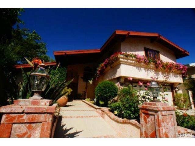 Single Family Home for Rent at 19267 Berclair Lane Tarzana, California 91356 United States