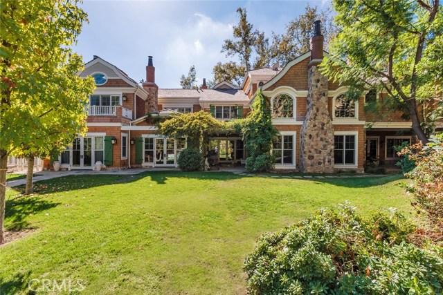 19115 Charles Street, Tarzana CA: http://media.crmls.org/mediascn/99272287-7059-49e3-9b0c-6c455d200b29.jpg
