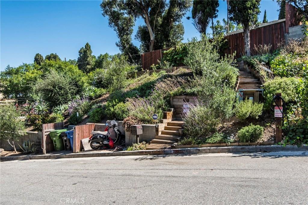 3209 BENNETT Drive, Hollywood Hills, CA 90068
