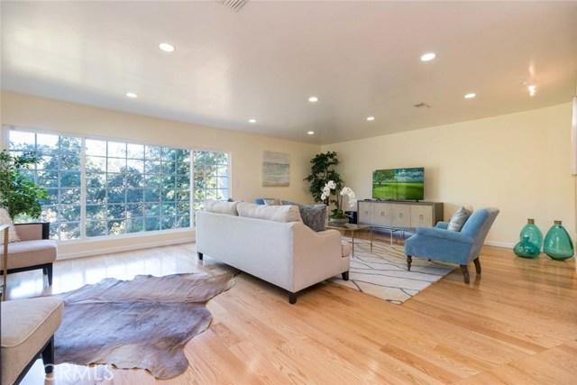 15535 Woodcrest Drive, Sherman Oaks CA 91403