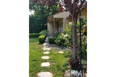 10001 Bordeaux Avenue, Arleta CA: http://media.crmls.org/mediascn/99c5f50b-bf1f-42f4-b672-95eaef96570e.jpg
