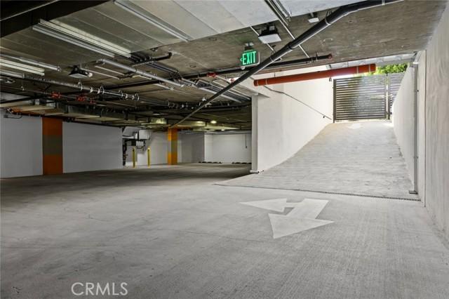 12905 Landale Street, Studio City CA: http://media.crmls.org/mediascn/99f6938a-7dce-48b2-ba44-85d8645b94d0.jpg