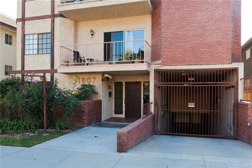Photo of 1807 CORINTH AVENUE #3, Los Angeles, CA 90025