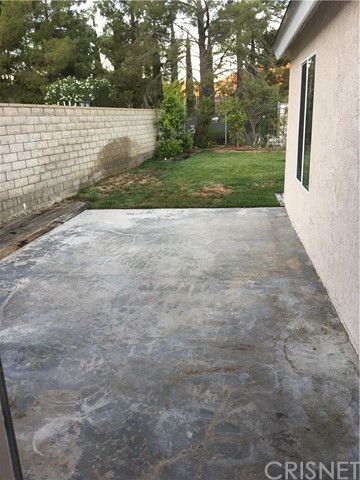 29930 Orchid Cove Drive, Canyon Country CA: http://media.crmls.org/mediascn/9a54aae0-6e94-46c1-9e2d-fa5f9c9f12ee.jpg