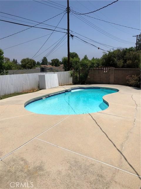 6622 Franrivers Avenue, West Hills CA: http://media.crmls.org/mediascn/9a682326-9fde-4898-a0d9-156f7f364e57.jpg