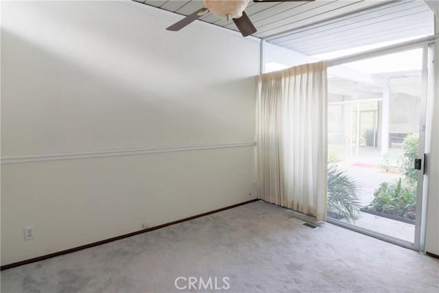12662 Jimeno Avenue, Granada Hills CA: http://media.crmls.org/mediascn/9a98601c-c51b-4563-b0b2-e039639b808f.jpg