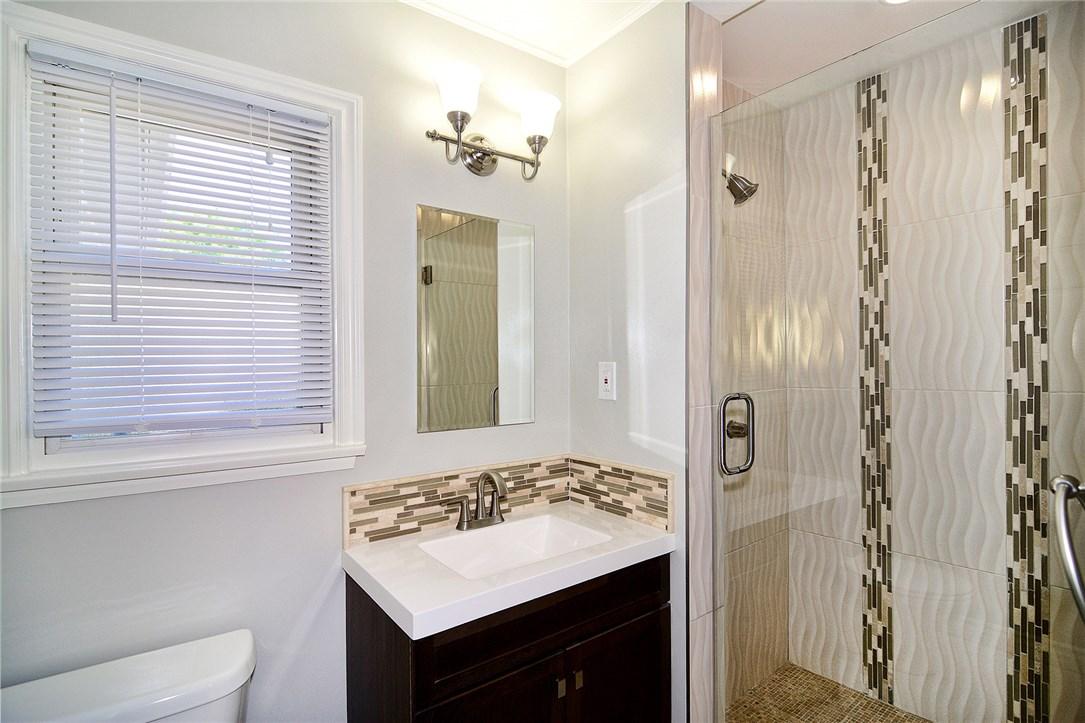 6531 Hanna Avenue, Woodland Hills CA: http://media.crmls.org/mediascn/9a9b2c5b-f4e4-446a-a568-4a2945f1d00e.jpg