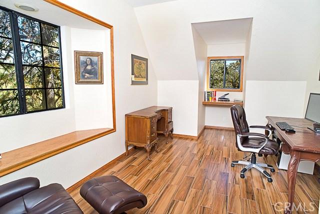 Additional photo for property listing at 27311 Peninsula Drive  Lake Arrowhead, 加利福尼亚州 92352 美国