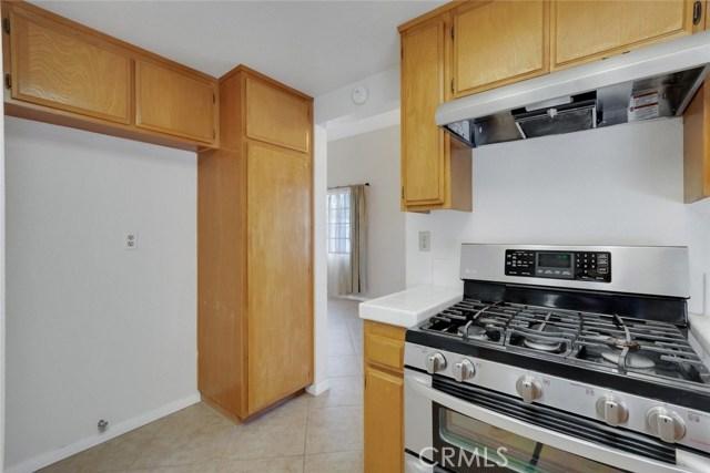 44222 Lively Avenue, Lancaster CA: http://media.crmls.org/mediascn/9b2da279-6b7d-4e3a-afa2-1d496a5a8d3b.jpg