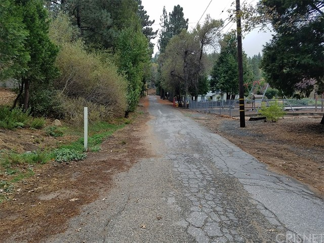 0 Pine Dr. and Dart Cany. Road, Crestline CA: http://media.crmls.org/mediascn/9b6062a7-4e37-41e0-bc78-0e47f23c8aee.jpg
