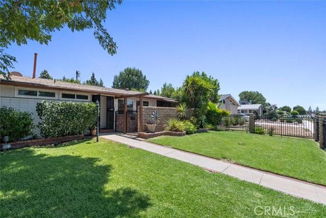 10624 Gaviota Avenue, Granada Hills CA: http://media.crmls.org/mediascn/9b6b3bff-42c2-4a59-bbbc-d380279f4110.jpg