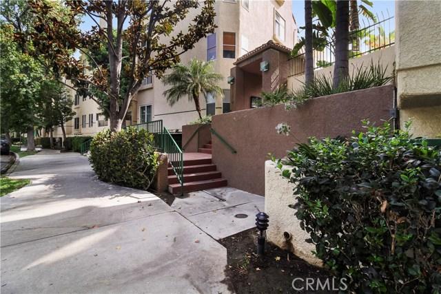 5420 Sylmar Avenue, Sherman Oaks CA: http://media.crmls.org/mediascn/9b9405d5-e510-451a-ada4-3c1d94066b96.jpg