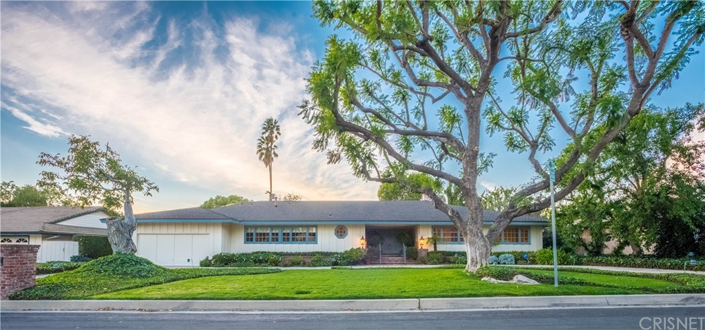 Photo of 9227 SHOSHONE AVENUE, Northridge, CA 91325
