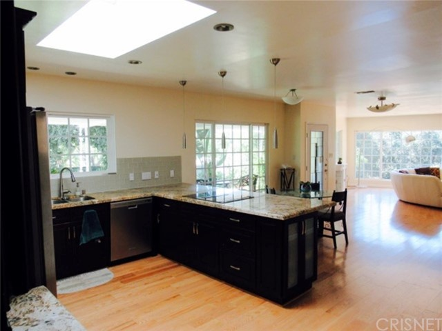 15535 Woodcrest Drive Sherman Oaks, CA 91403 - MLS #: SR17185982