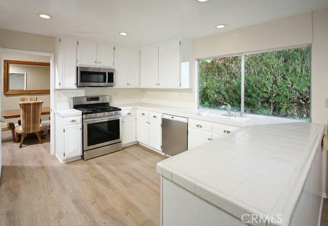 7610 Vicky Avenue, West Hills CA: http://media.crmls.org/mediascn/9c2d35bc-ef1b-48f3-914e-5e1c224cf140.jpg