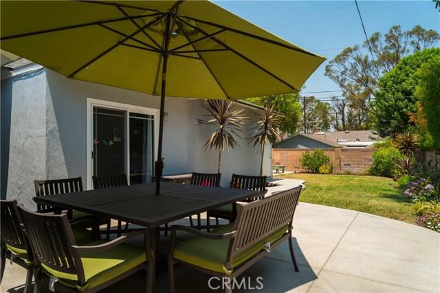 22157 Del Valle Street, Woodland Hills, CA 91364